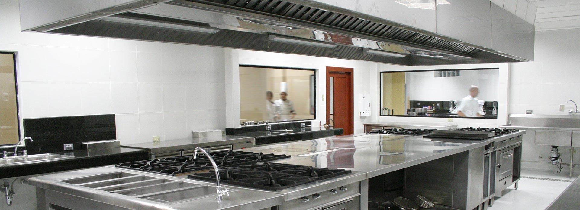 Limpieza y desengrase de extracci n de humos y cocinas for Cocinas industriales siglo